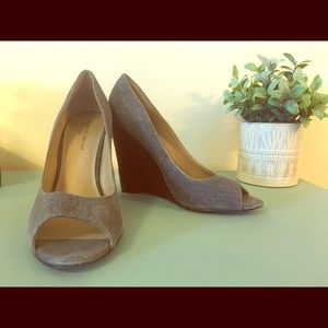 Grey High Heel by Julianne Hough size 10